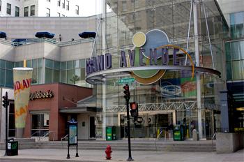 Le Grand Avenue Mall