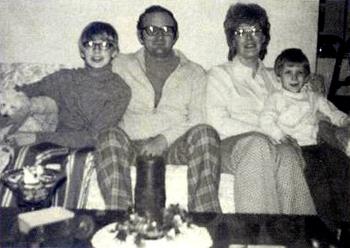 Dahmer avec ses parents et son frère David