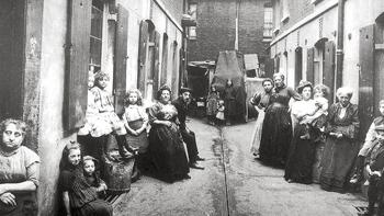Whitechapel Alley