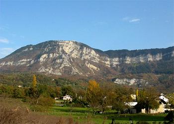 Le Mont Revard depuis Aix les Bains Succo
